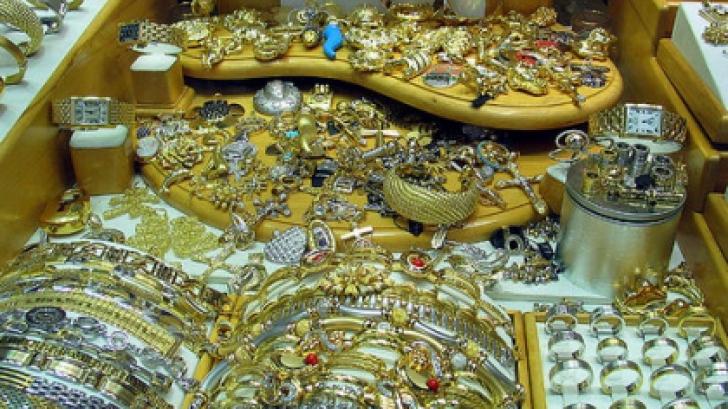 Ce fel de bijuterii sunt amanetate?