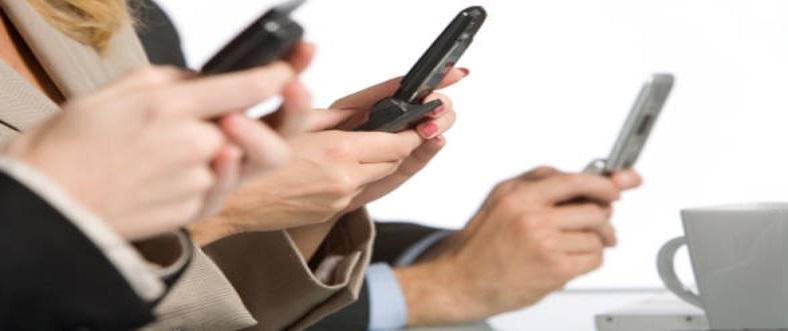 Cum sa pierd timpul pe telefon intr-un mod mai util?