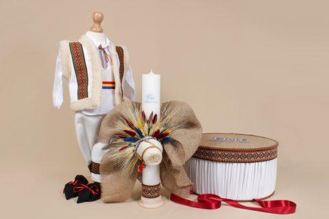 Cum se alege costumul de botez pentru bebelusi?