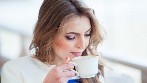 Este indicat sa bem cafea zi de zi?