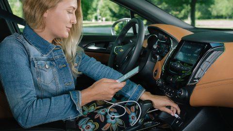 Sfaturi pentru a pune telefonul in masina?