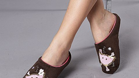 Simte-te confortabil in papuci de casa!