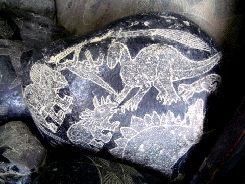 Pietrele din localitatea Ica – dinozauri, oameni si tehnologie avansata in Peru
