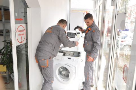 Cum sa iti repari masina de spalat ieftin si comod?